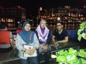 Guru pengiring Guru pengiring -  En Mohd Sharin, Puan Hazlinda dan Cik Julifa Diana